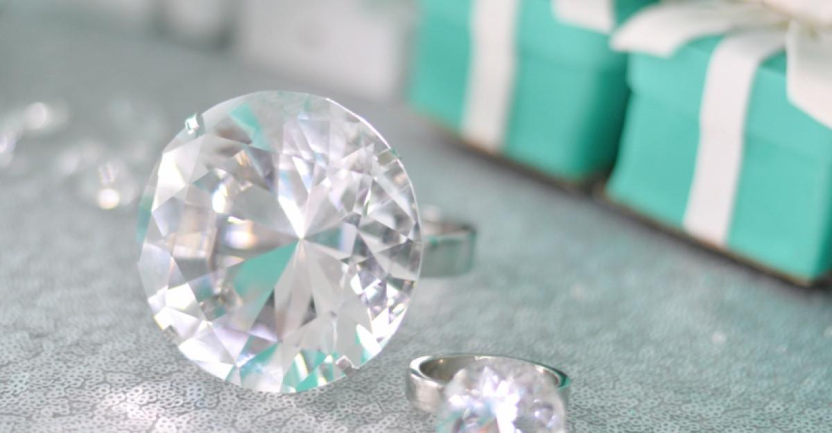 Un diamant într-o poveste. Care este povestea ta de dragostea?