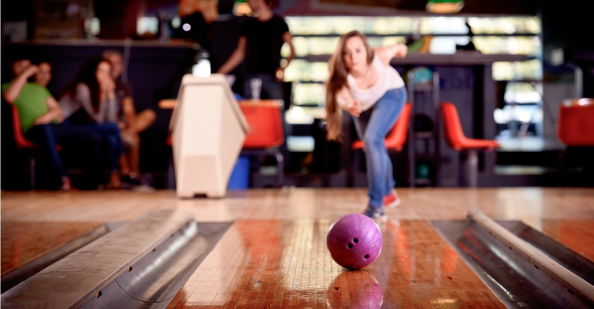 Cum te imbraci cand mergi la bowling