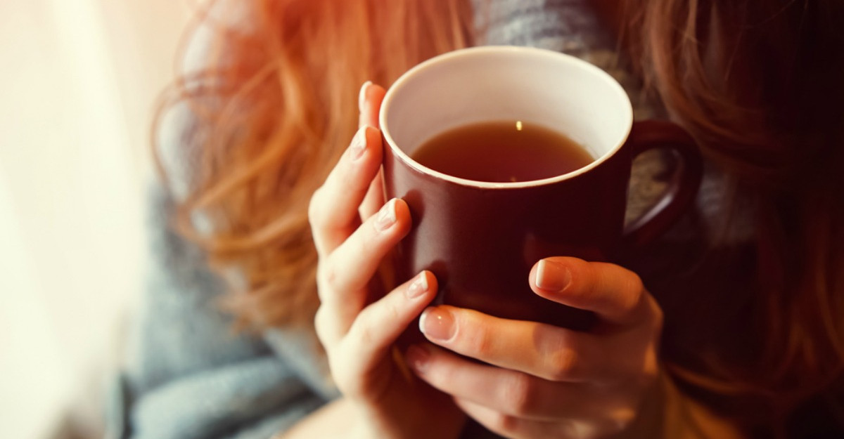 O bautura simpla te ajuta sa dormi mai bine. Cum sa o prepari acasa in fiecare seara?
