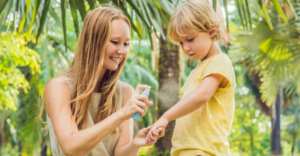 Ține căpușele și țânțarii la distanță cu Santaderm ParasiteS