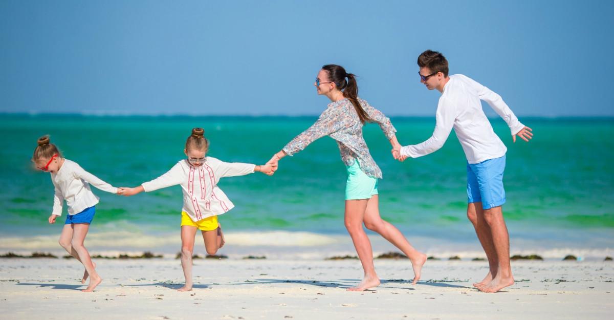 Cum ne ferim de tulburările digestive în vacanță: recomandări pentru întreaga familie