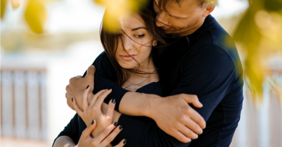 7 Semne ca esti cu un barbat care iti controleaza viata si ce poti face in acest sens