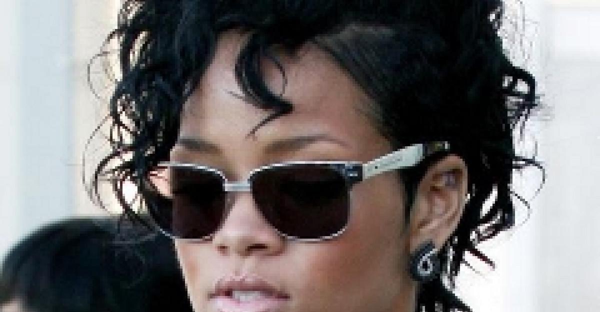 Rihanna, din ce in ce mai...vulgara