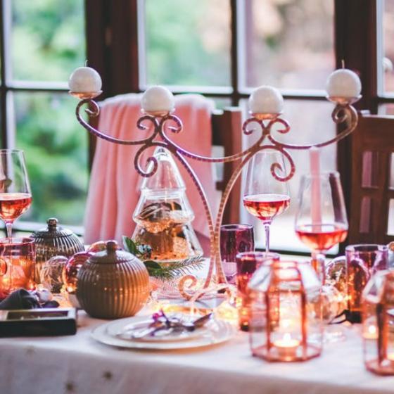 9 decorațiuni luminoase de Crăciun pentru cea mai caldă atmosferă