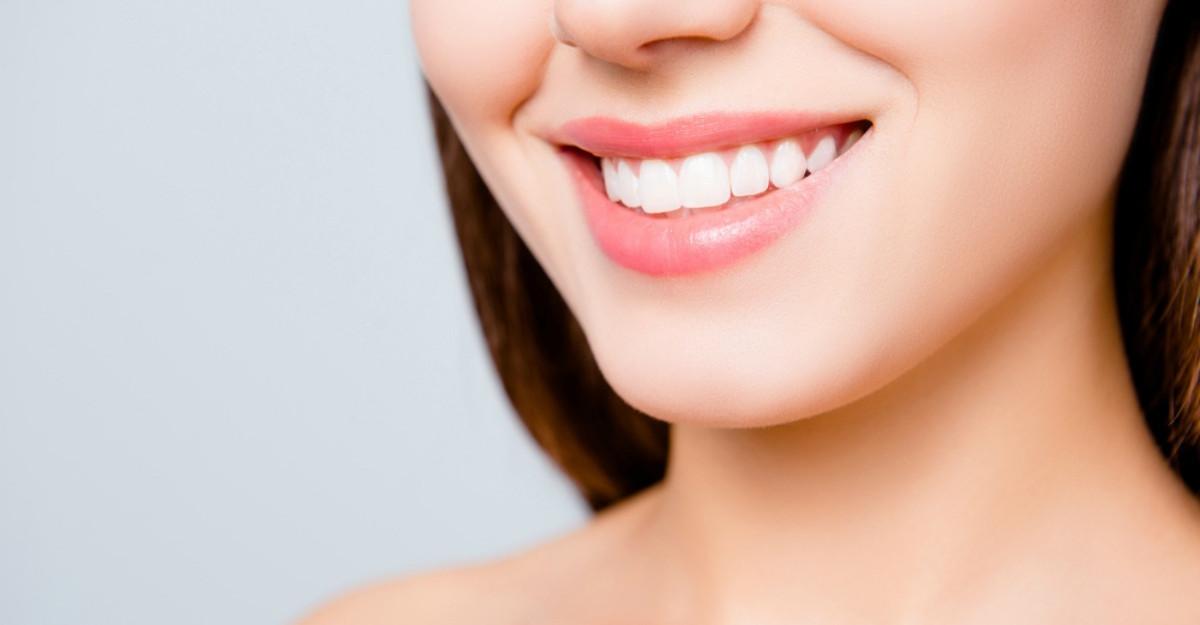 Cat de eficiente sunt tratamentele alternative pentru albirea dintilor