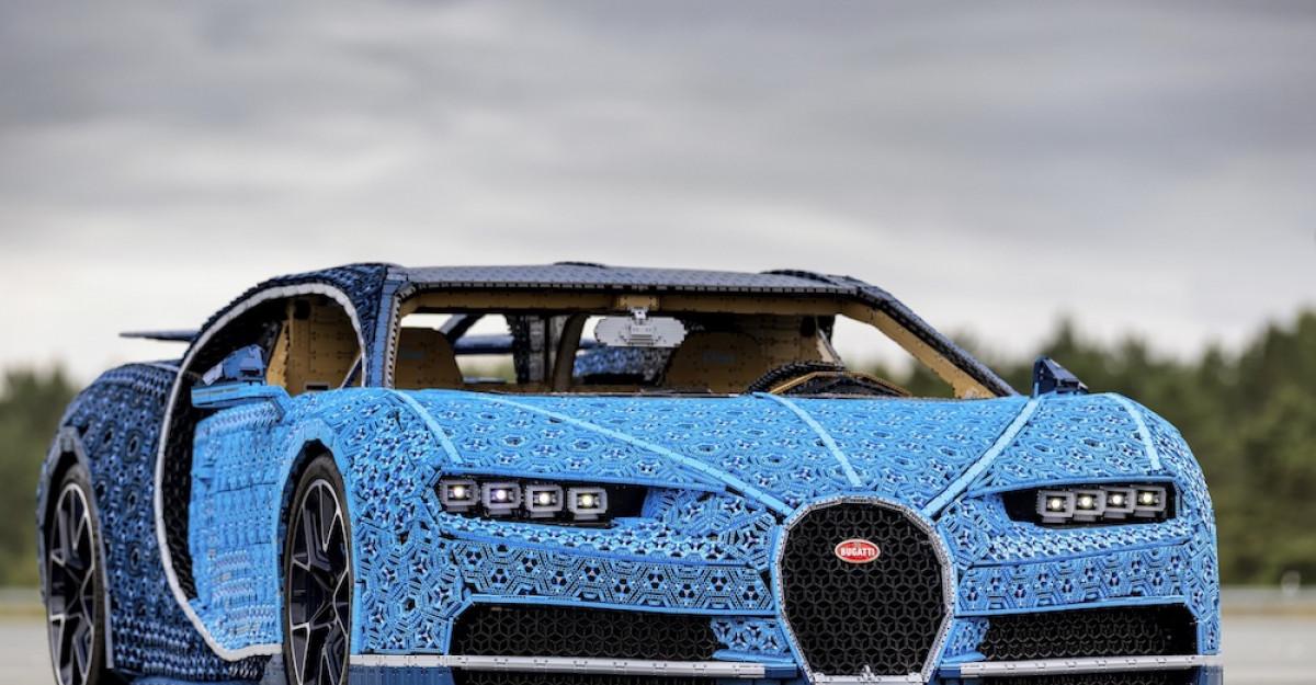 LEGO® Technic™ Bugatti Chiron ajunge în România