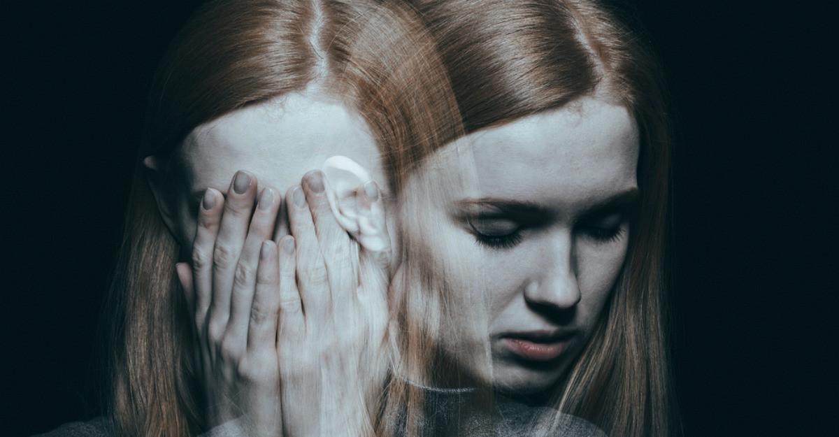 Depresia, lasata netratata poate dura ani si te consuma pe interior. Care sunt cauzele si cum o tratezi?