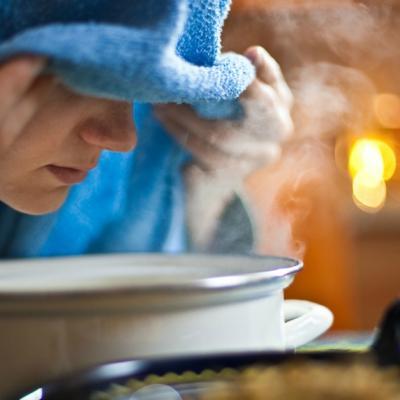 Sauna și inhalarea de aer cald distrug coronavirusul? Ce spun autoritățile