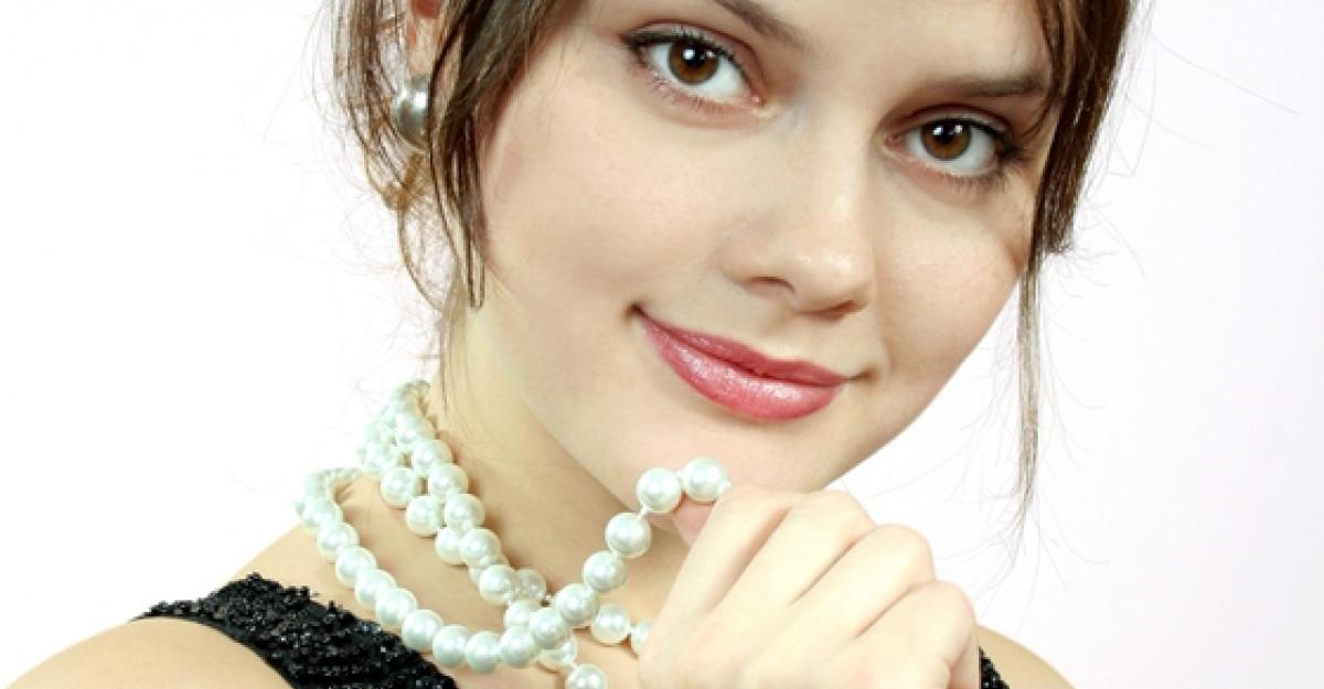 Perle, strasuri si paiete...pentru femei cochete