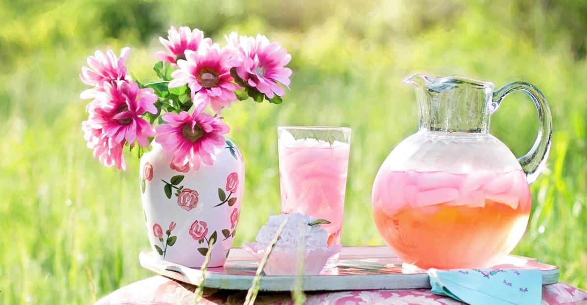 Limonada fresh, de vara, cu proprietati vindecatoare pentru durerile menstruale