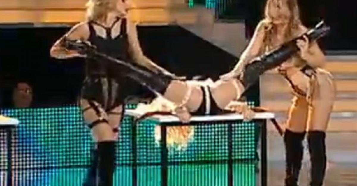 Video: Laura Cosoi, Gina Pistol si Jojo, dans erotic!