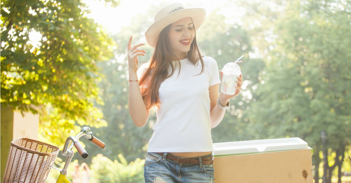 Tricouri albe de vara: cele mai simpatice modele