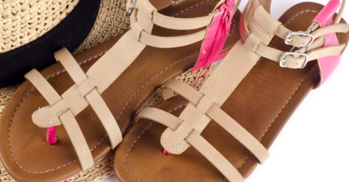 Shopping: Sandale cu talpa joasa pentru vara
