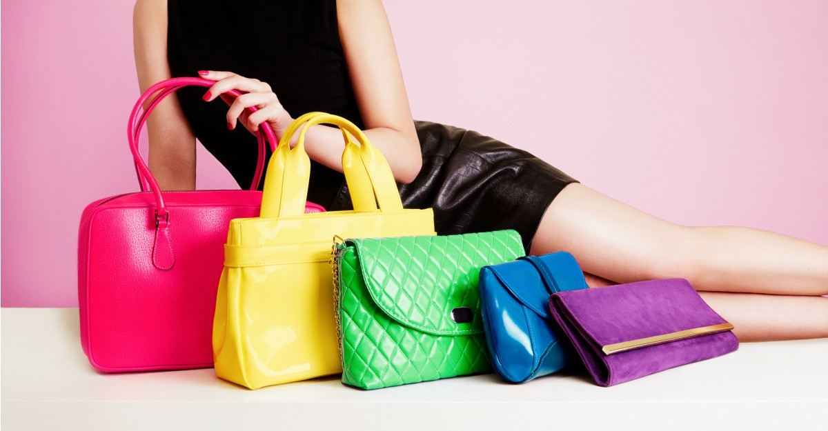 Ce modele de genti in culori tari merita sa porti si cum le combini