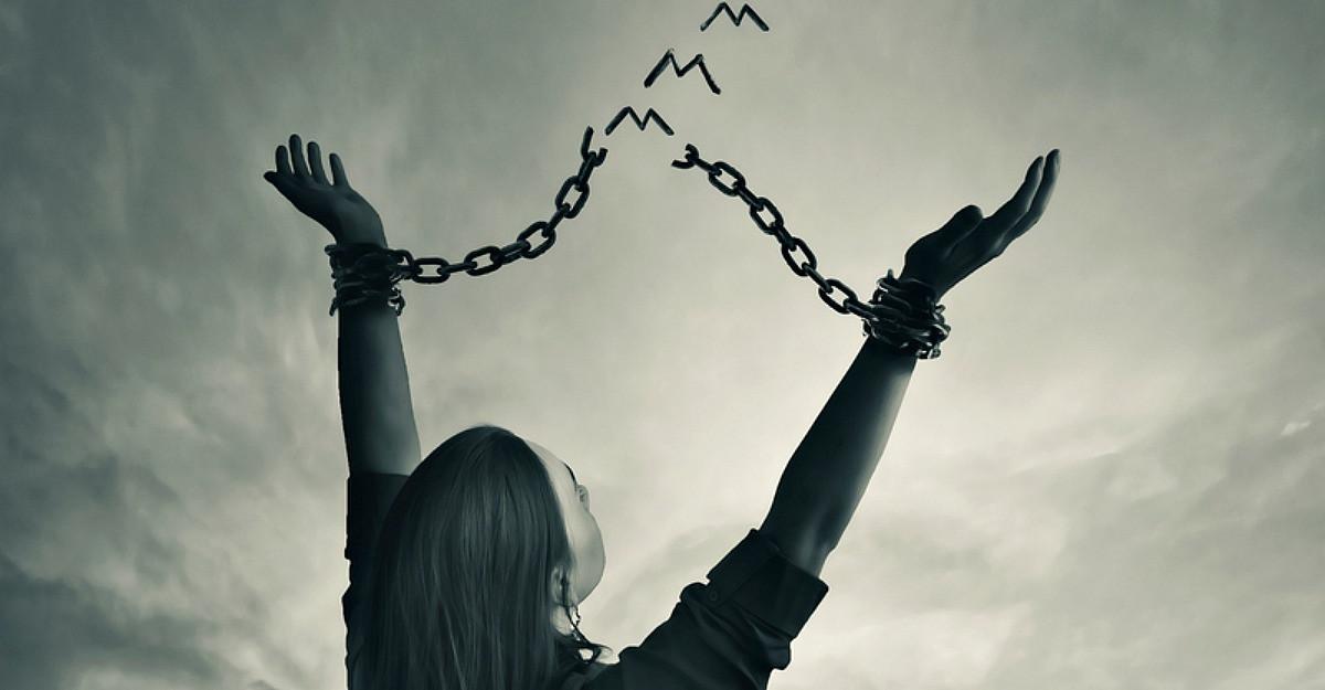 5 pasi pentru a te elibera de energiile negative
