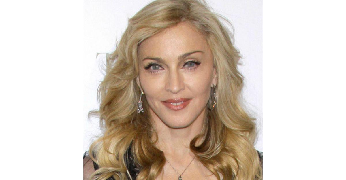 Foto: Noul iubit al Madonnei are 26 de ani! Vezi aici cat de frumos este!