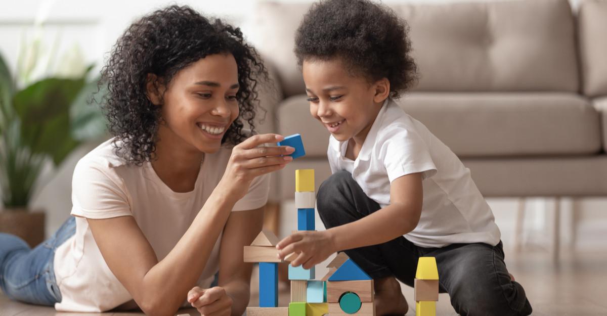 Oferă-i o copilărie frumoasă: 4 jocuri educative care îl vor surprinde pe cel mic