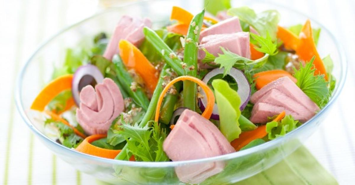 Salata cu ton RIO Mare, fasole si morcovi