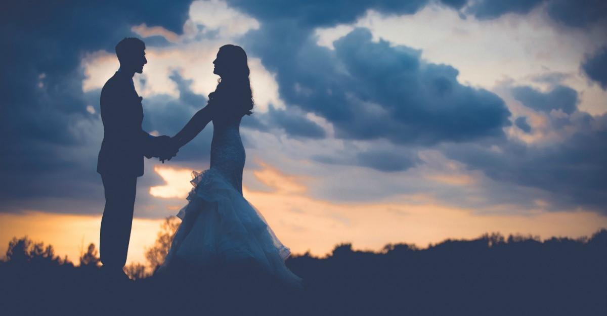 Mitul sotiei-trofeu: e adevarat ca femeile se marita din interes?