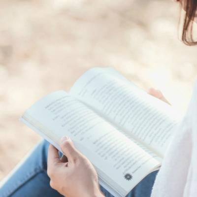 4 trucuri care te ajuta sa retii mai bine informatiile pe care le citesti