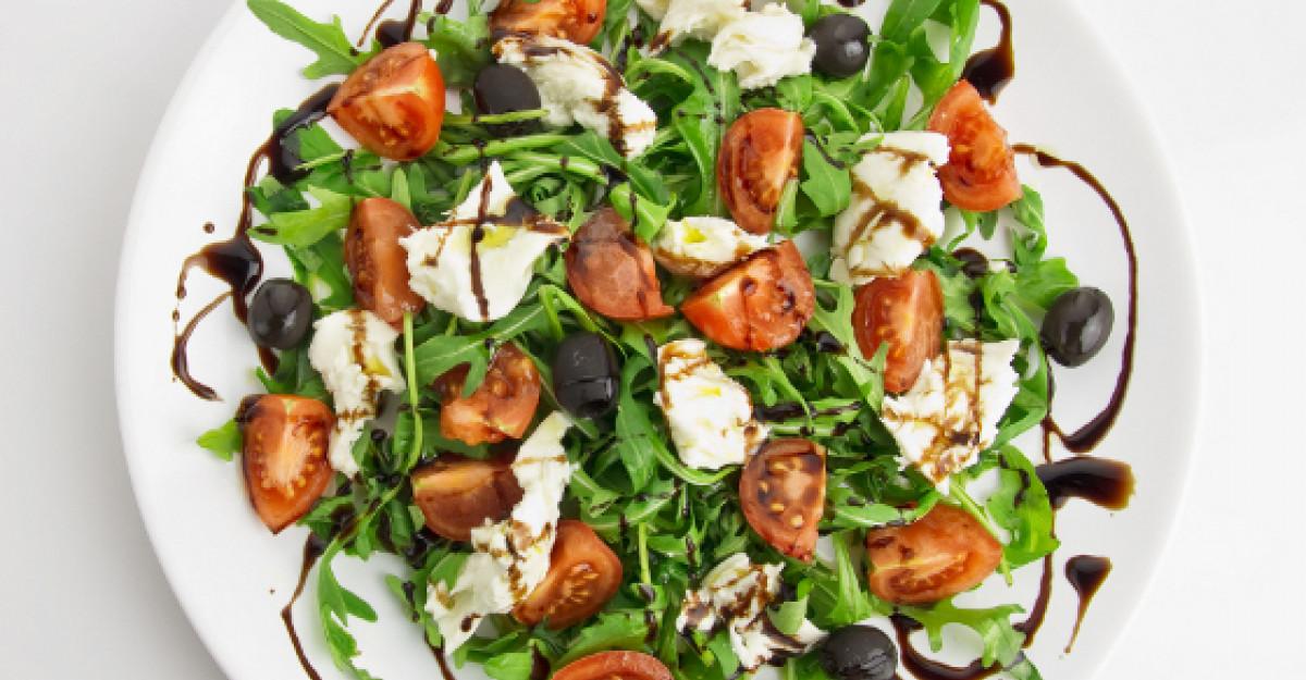 Salata de vara cu rucola si urda