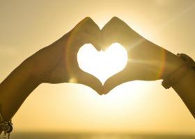 Zece citate care te vor ajuta sa te reconectezi cu compasiunea din inima ta