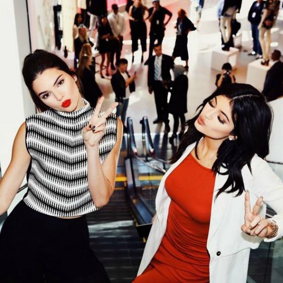 Make-up de vedeta! Inspiratia zilei: surorile Jenner