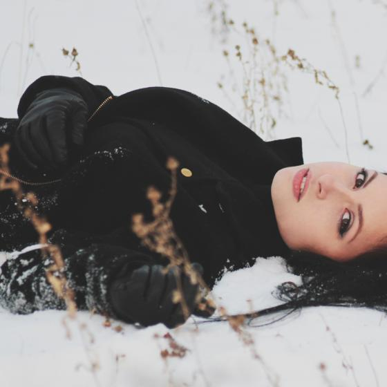 Paltoanele de lână groase și călduroase sunt perfecte iarna aceasta!