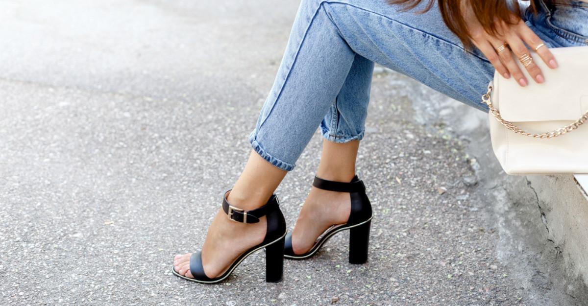 6 perechi de sandale elegante și comode