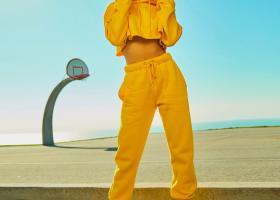 Costum sport de tip trening pentru femei: în ținutele urbane de toamnă
