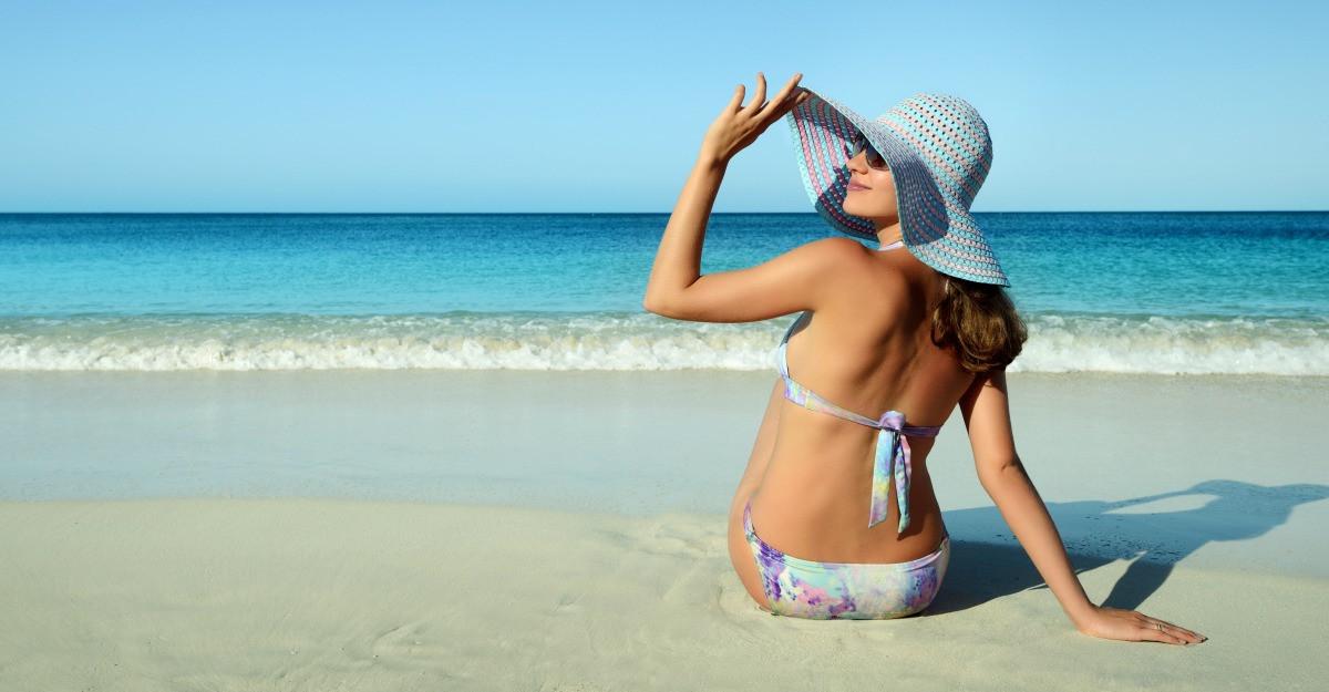 Pregateste-te de plaja! Ce cosmetice de vara sa ai in vedere vara aceasta