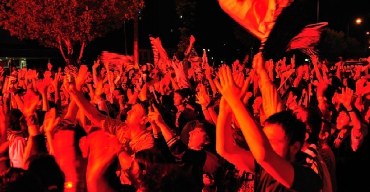 Video: Linkin Park lanseaza Burn it Down