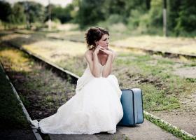 Zgarcenia pazeste burlacia: Parasita de logodnic la altar