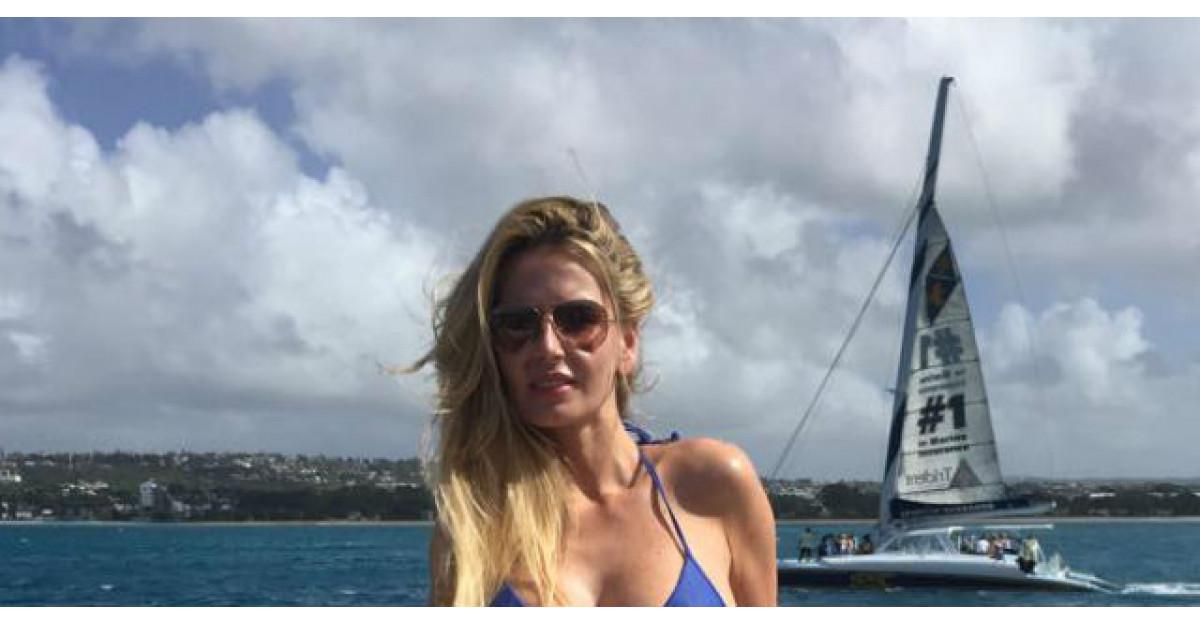 Foto: Andreea Banica, aparitie INCREDIBILA in costum de baie. Cum arata corpul vedetei fara Photoshop?