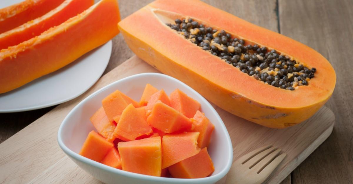 Ce este, de fapt, papaya, fructul misterios din supermarketuri