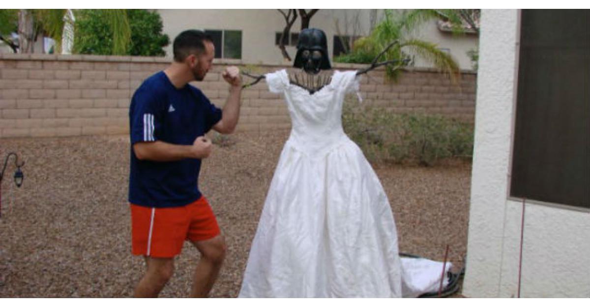 Cand l-a parasit, fosta sotie i-a luat tot ce avea, mai putin rochia de mireasa. Ce a urmat? INCREDIBIL