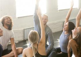 Laughter Yoga, practica miraculoasa pentru starea ta de bine
