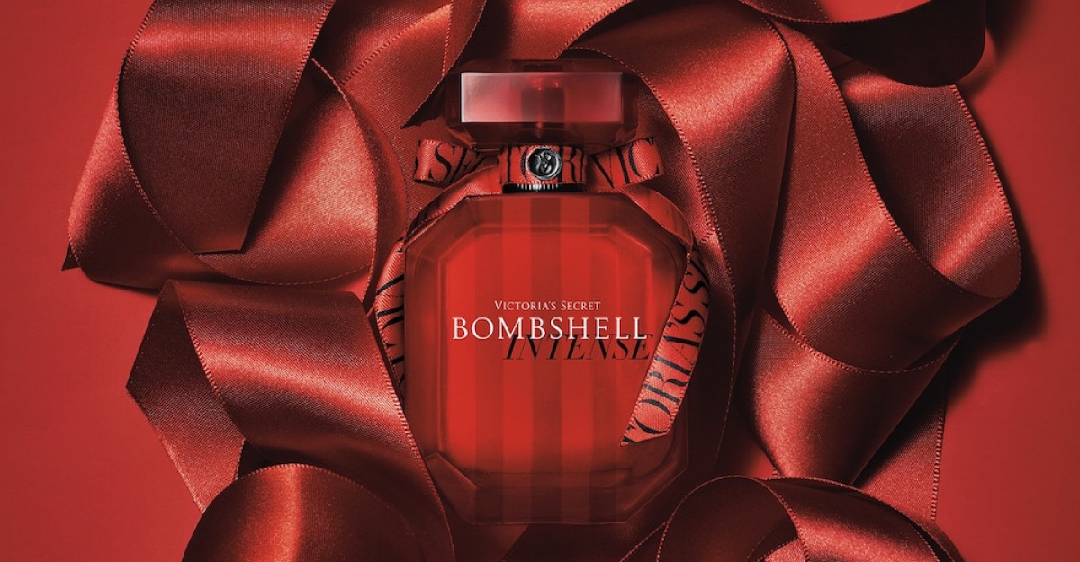 Noul parfum Bombshell Intense de la Victoria's Secret