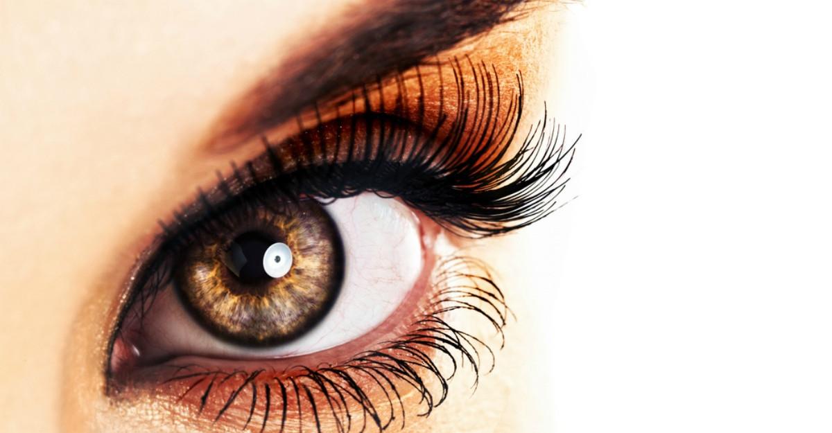 5 motive pentru care oamenii cu ochii caprui sunt INCREDIBILI