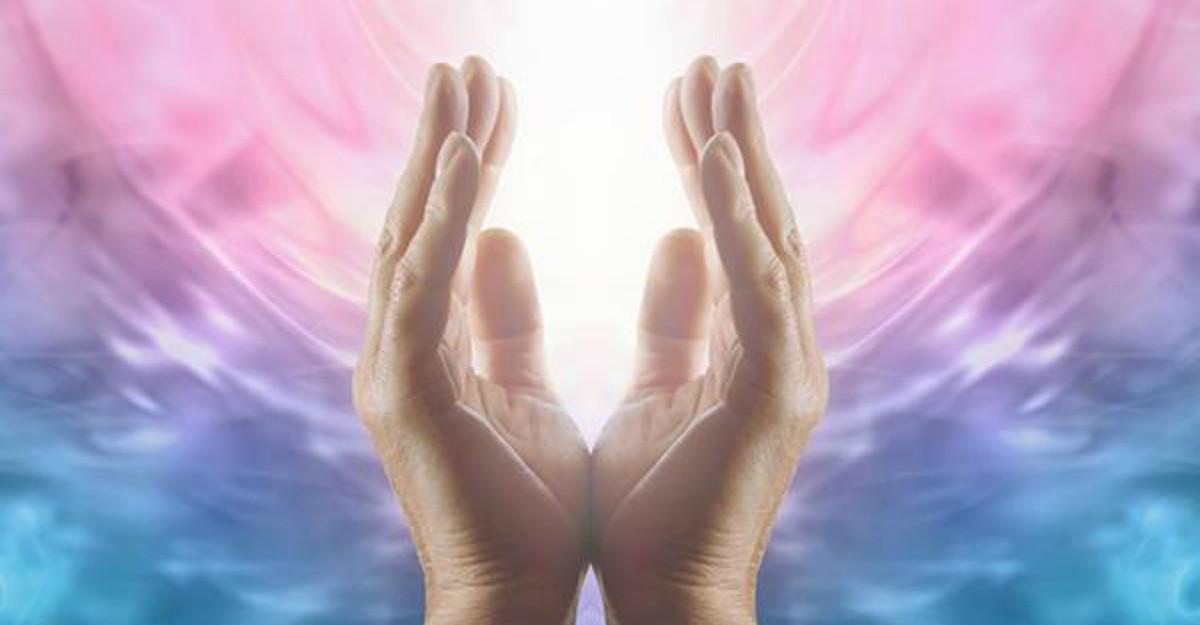 Ezoteric: Reiki, vindecarea e in mainile tale