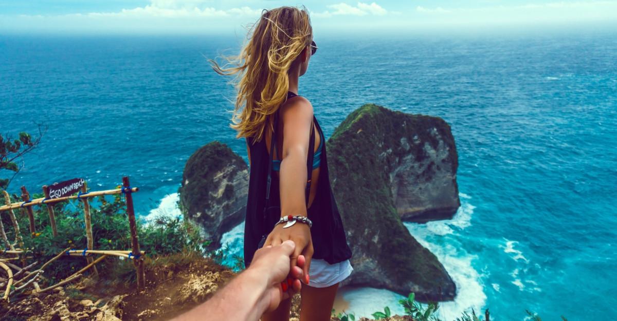 Acceptă-ți emoțiile înainte de a i le comunica partenerului