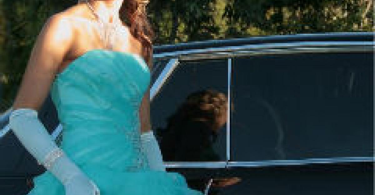 25 cele mai sofisticate rochii pentru domnisoarele de onoare