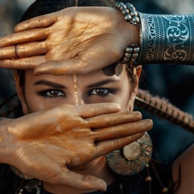 8 Trăsături pe care femeile puternice le au, însă niciodată nu le afișează