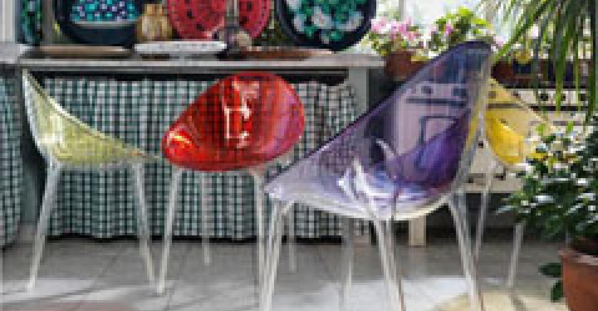 25 de piese de mobilier si accesorii din plastic