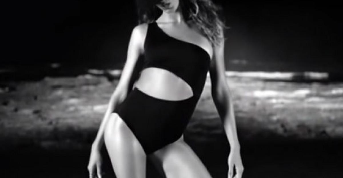 Video: Cel mai bine platit model din lume CANTA! Piesa va fi hitul verii