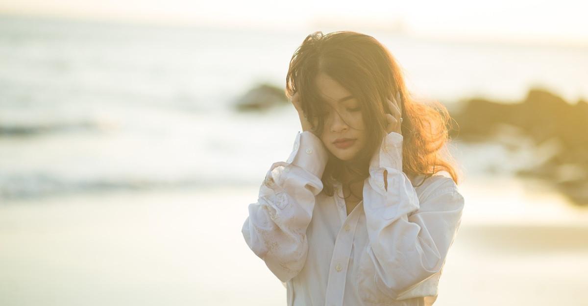 Ce se poate ascunde in sufletul unei persoane cu energie negativa: 4 motive pentru care sa nu o marginalizezi