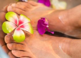 Cum îngrijești tălpile și picioarele cât mai sănătos pentru o pedichiură wow