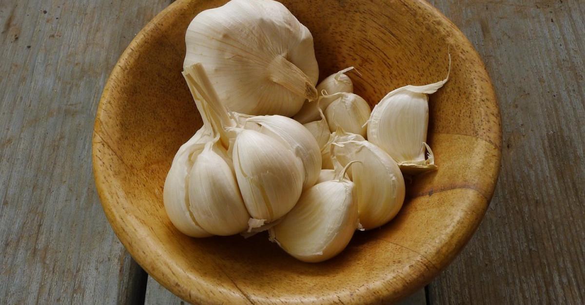 Minunile naturiste: 10 beneficii sanatoase ale usturoiului