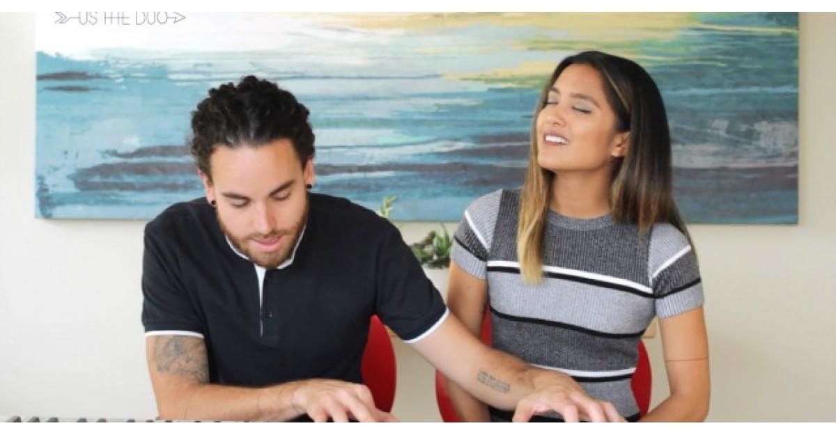 Acest cuplu reuseste sa cante cele mai populare piese din 2015 in doar 3,5 minute