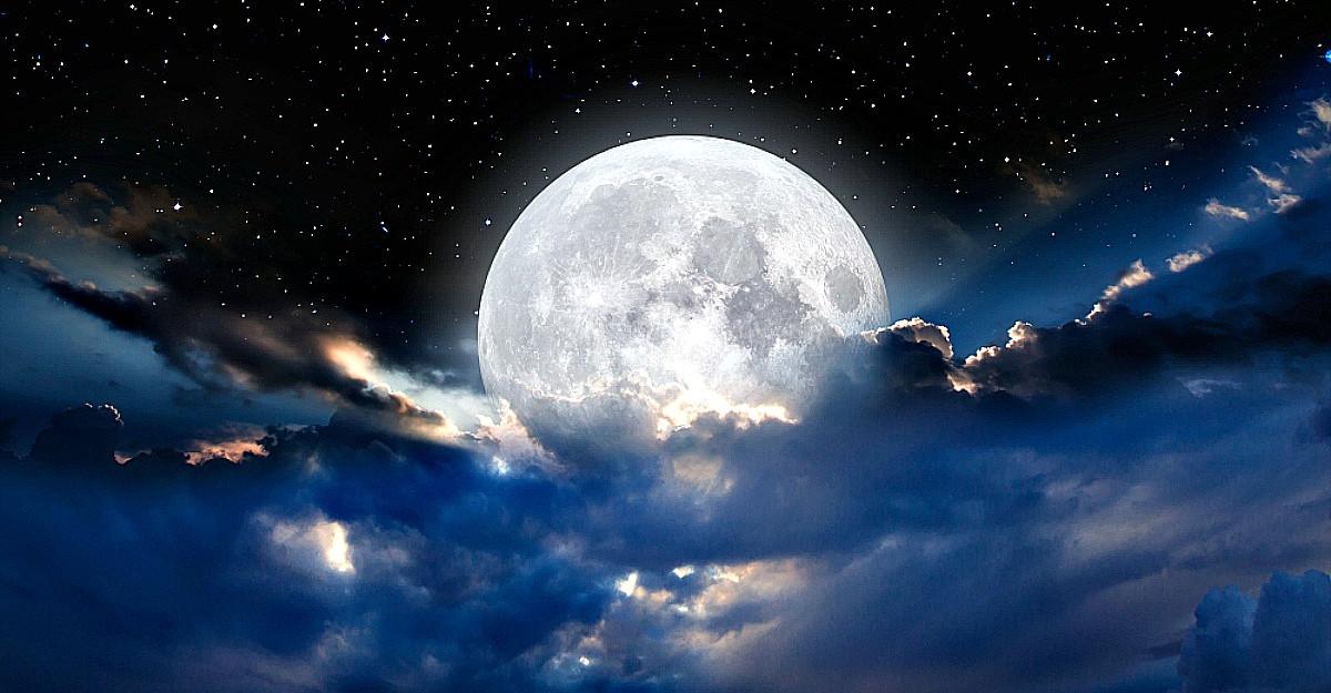 12 Noiembrie: Luna Plina in Taur ne va ajuta sa ne dezlegam de trecut si sa ne implinim toate dorintele